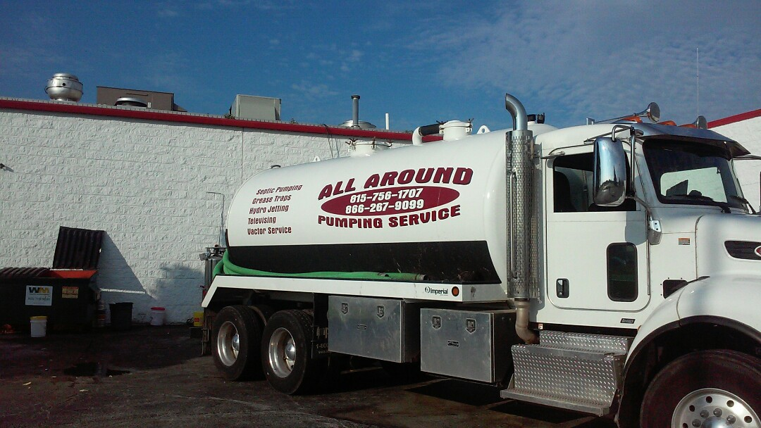 DeKalb, IL - Pumping and cleaning grease trap