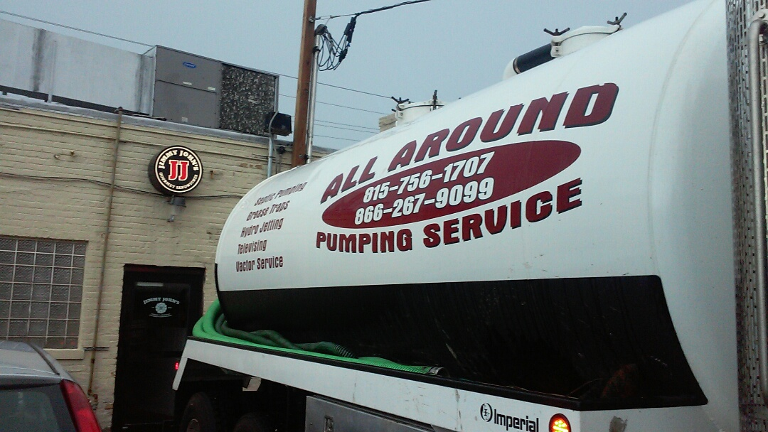 Niles, IL - Pumping and cleaning grease trap