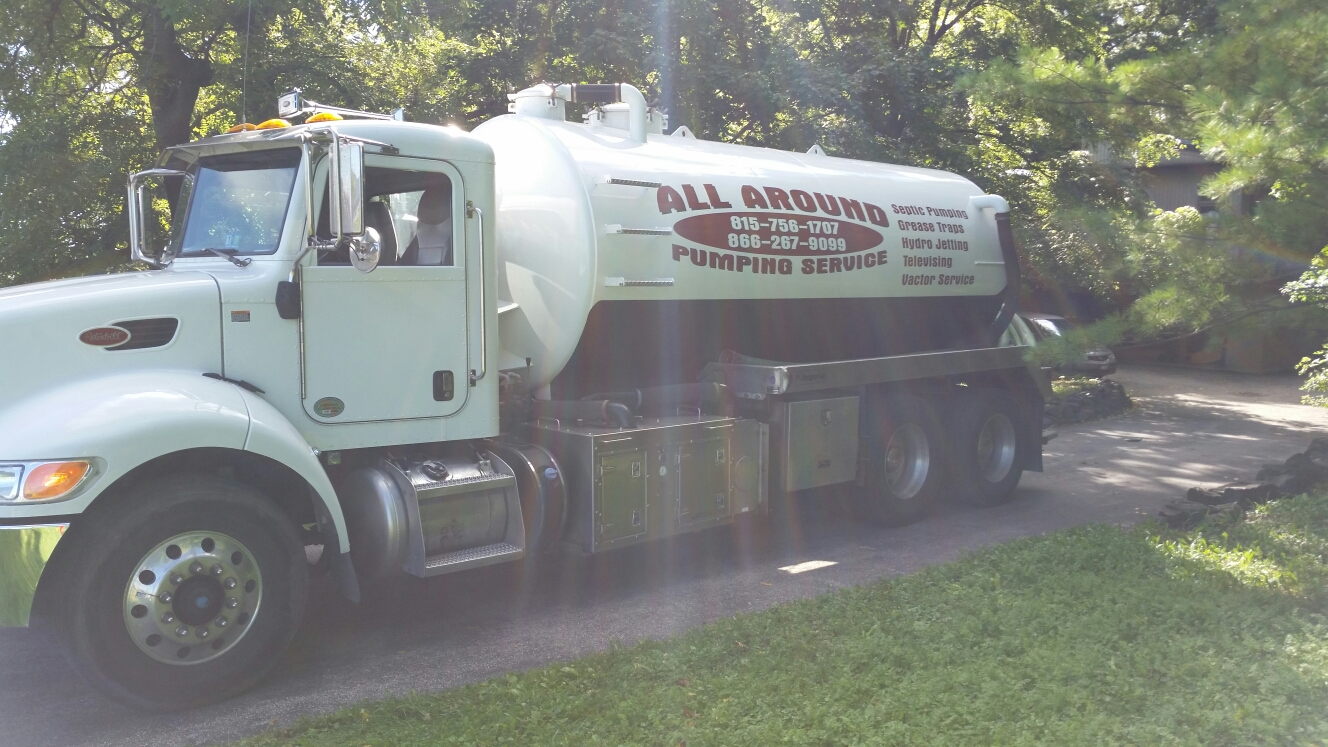 Naperville, IL - Pumping septic tank
