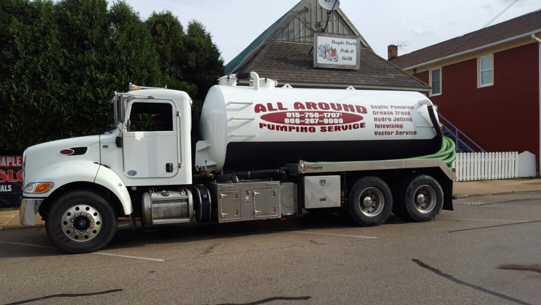 Batavia, IL - Pumping and cleaning grease trap