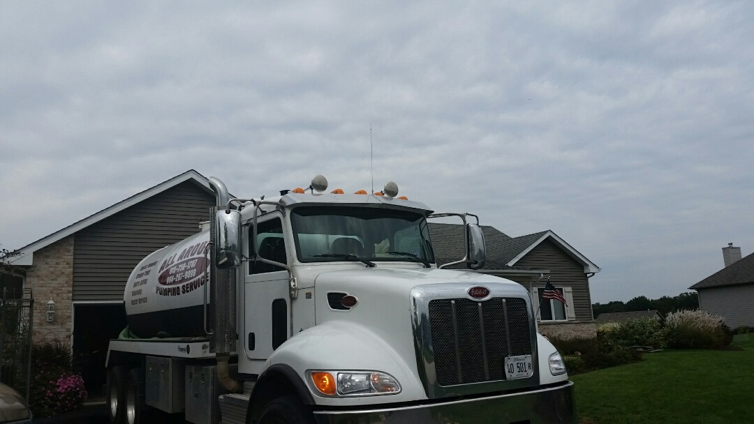 Kingston, IL - Pump and clean septic tank