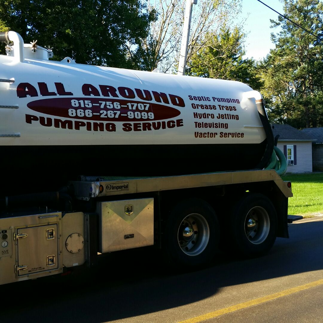 Maple Park, IL - Pumping septic tank