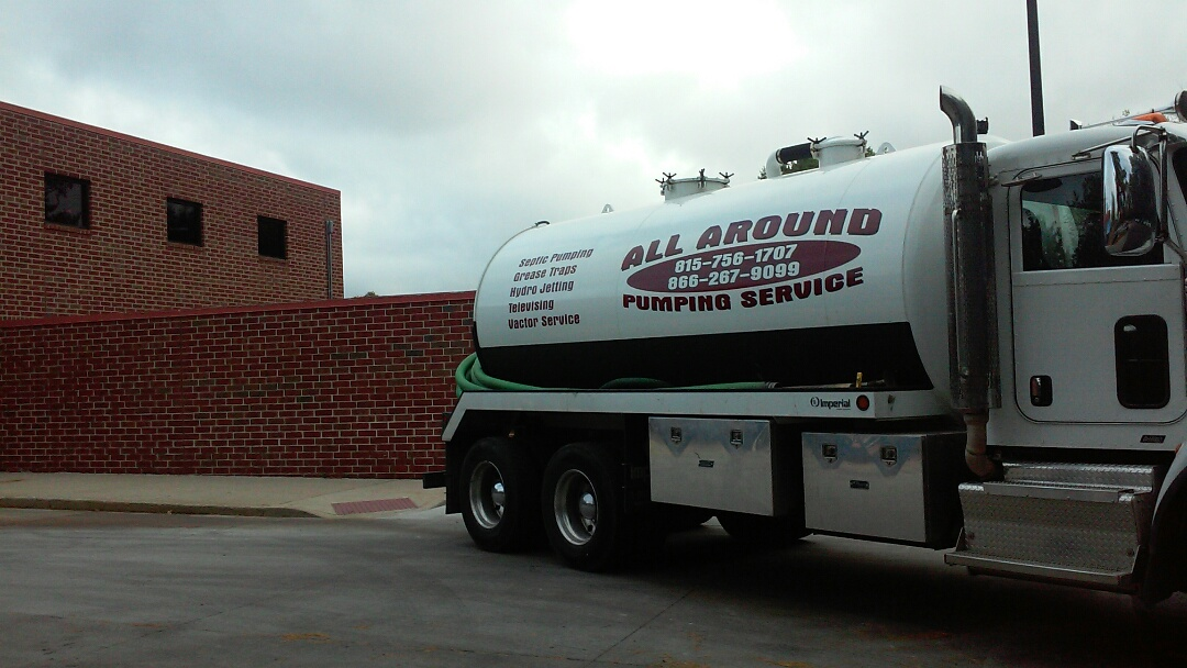 Naperville, IL - Pumping grease trap