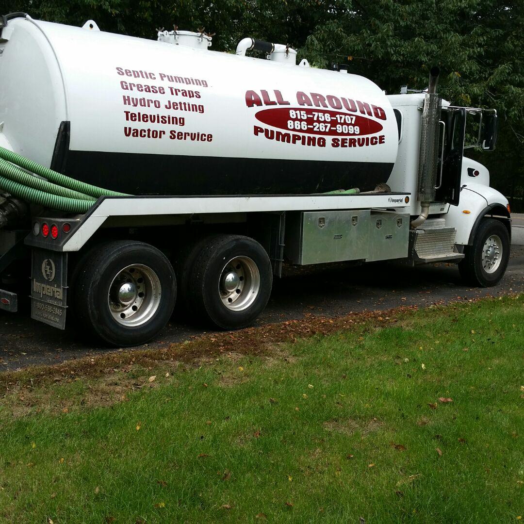 Aurora, IL - Pumping septic tank