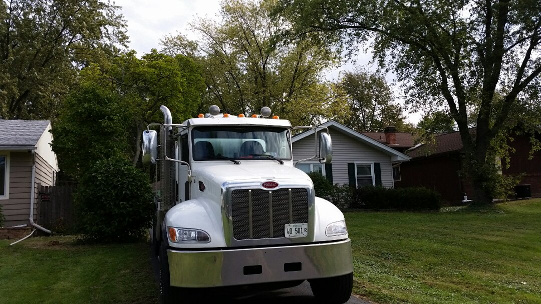 Downers Grove, IL - Pump and clean septic tank and visually inspect problems
