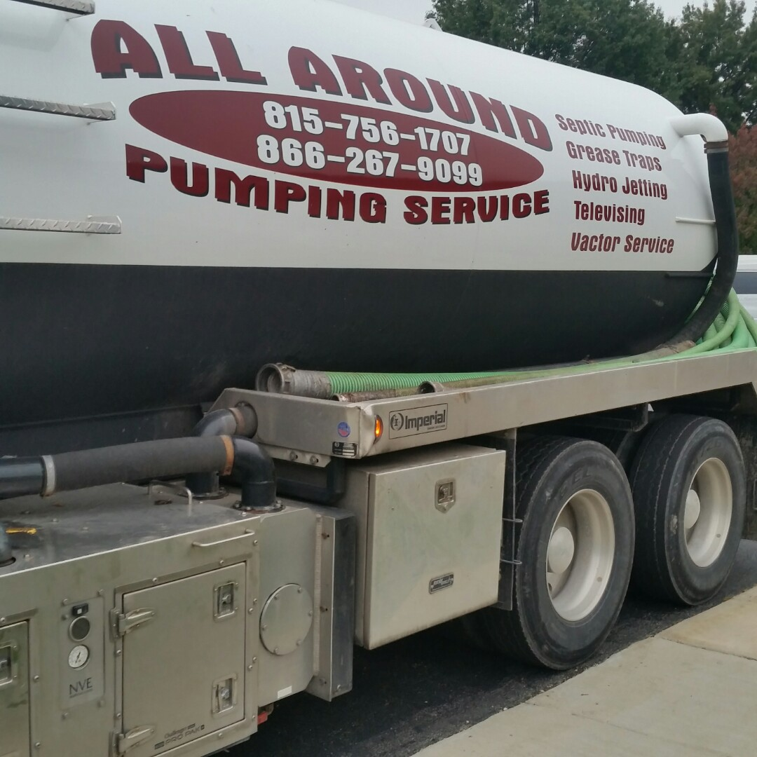 Sandwich, IL - Pumping outside grease trap