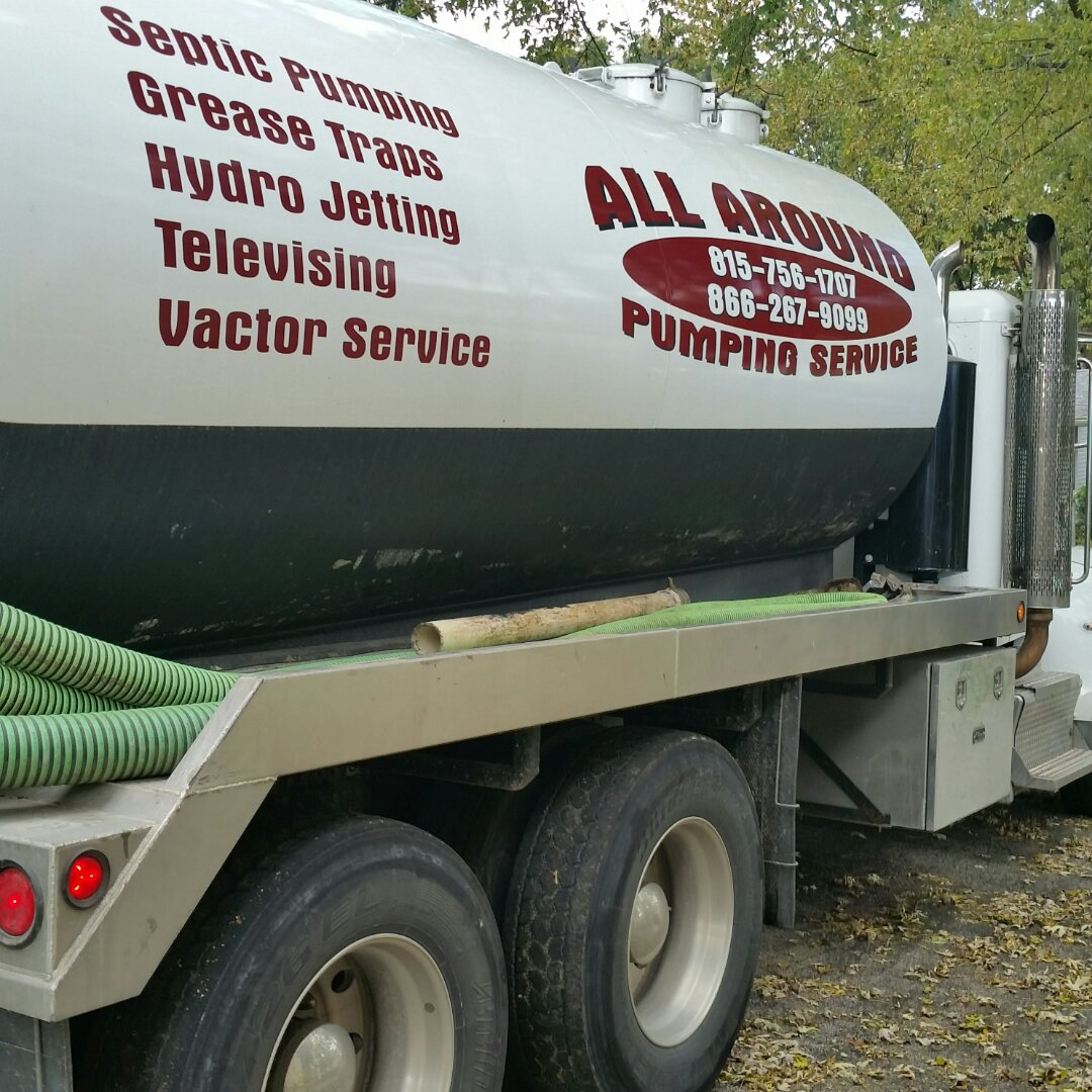 Johnsburg, IL - Pumping septic tank