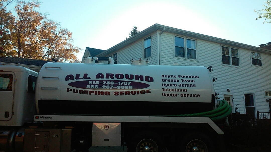 Sycamore, IL - Pumping and cleaning septic tank
