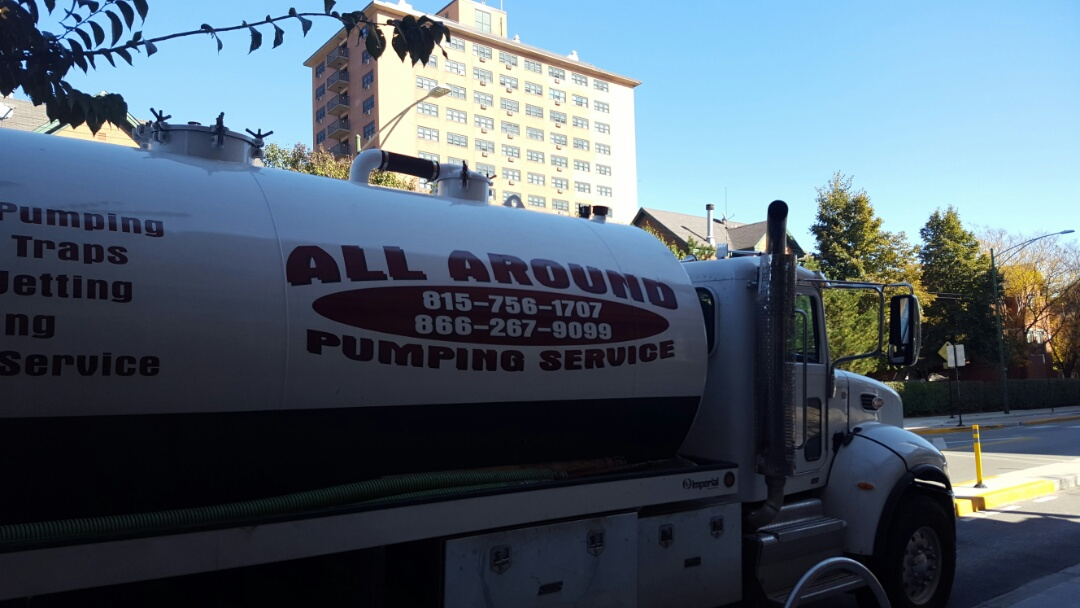 Chicago, IL - Pumping and jetting grease trap