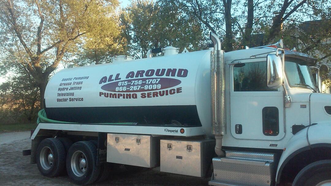 Elburn, IL - Pumping septic tank