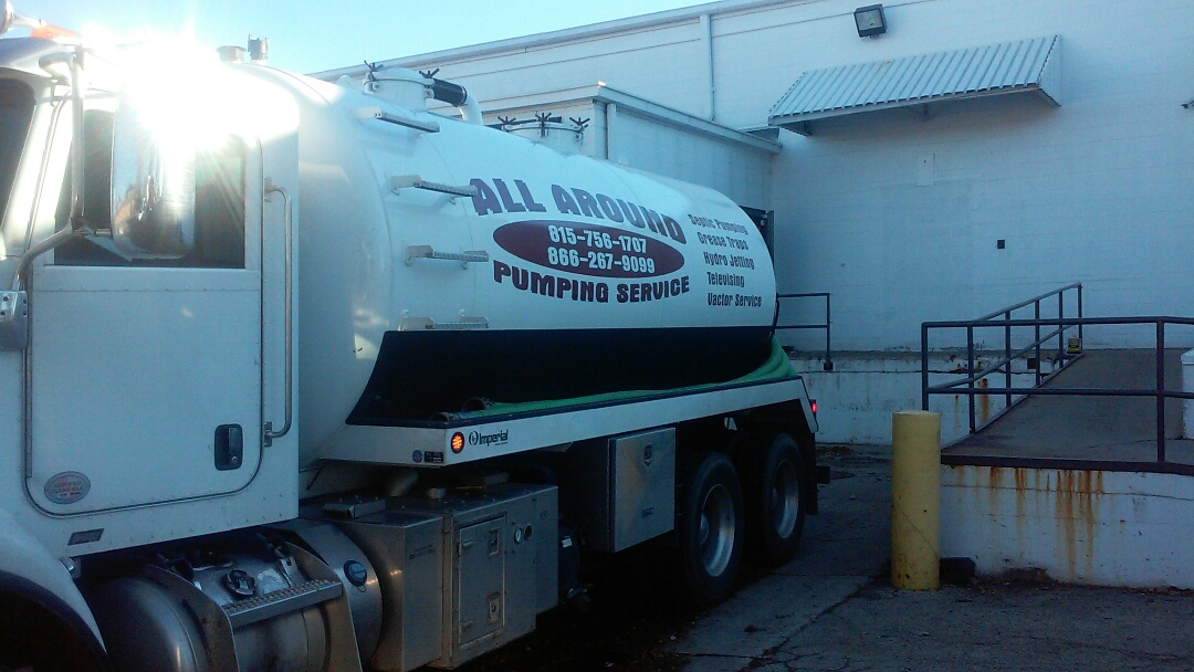 Elgin, IL - Pumping grease trap