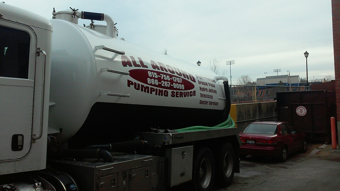 Wheaton, IL - Pumping grease trap