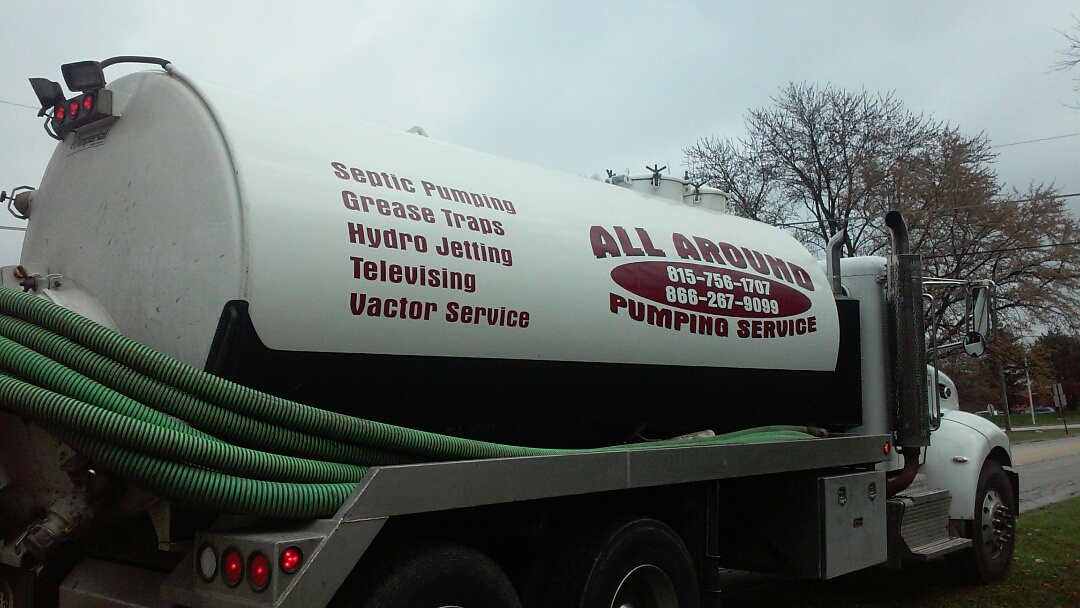 Wood Dale, IL - Pumping septic tank