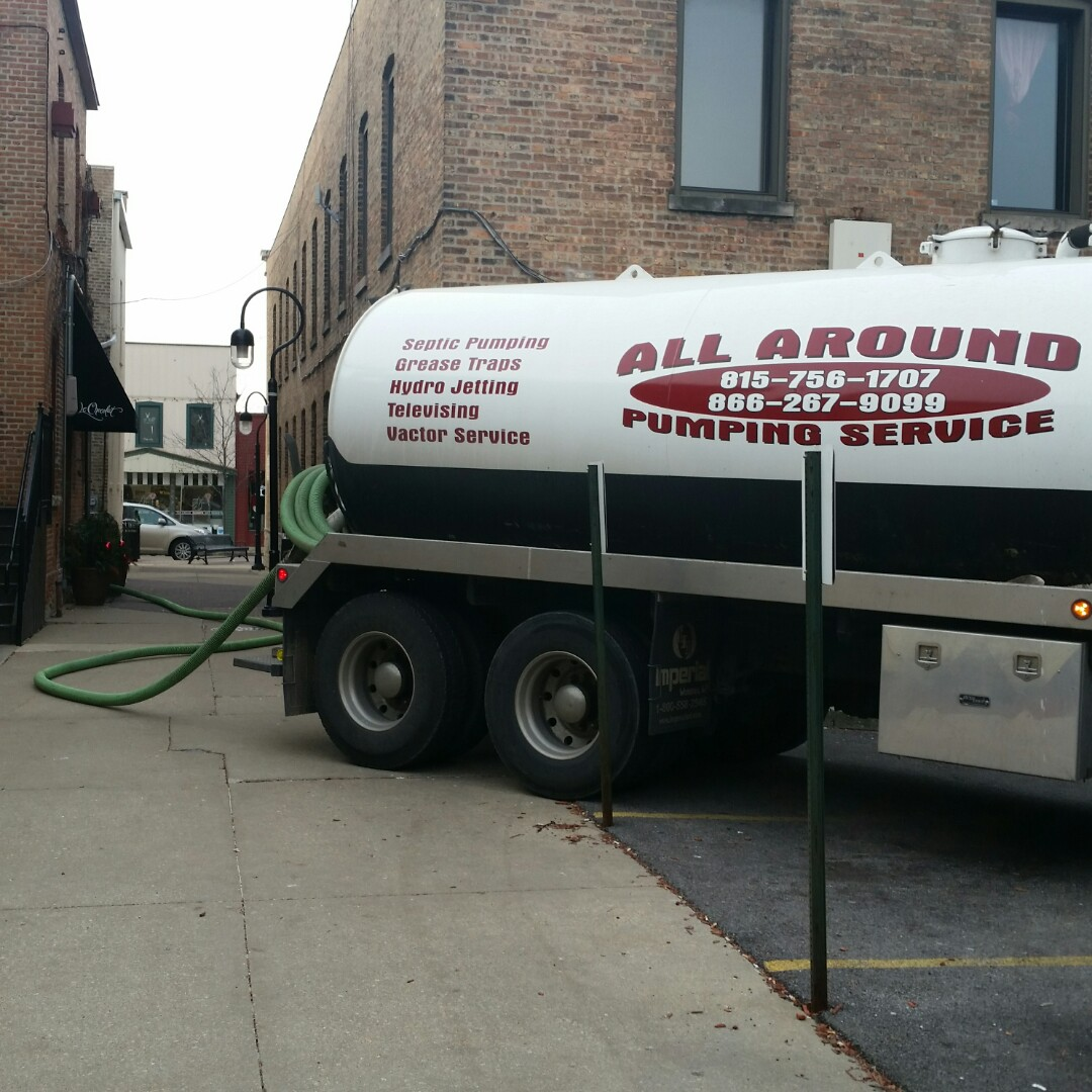 Naperville, IL - Pumping inside grease trap