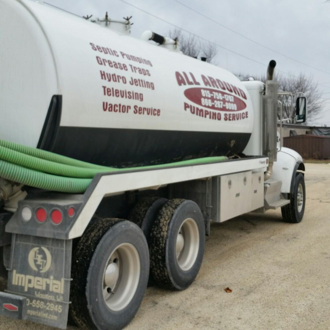 DeKalb, IL - Pumping septic tank