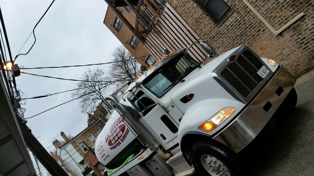 Chicago, IL - Pump and clean 3 catch basins