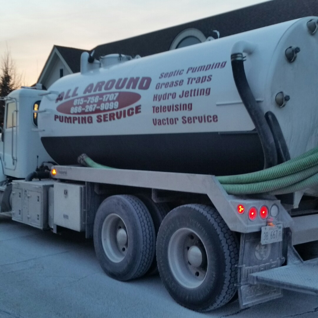Hanover Park, IL - Pumping inside grease trap