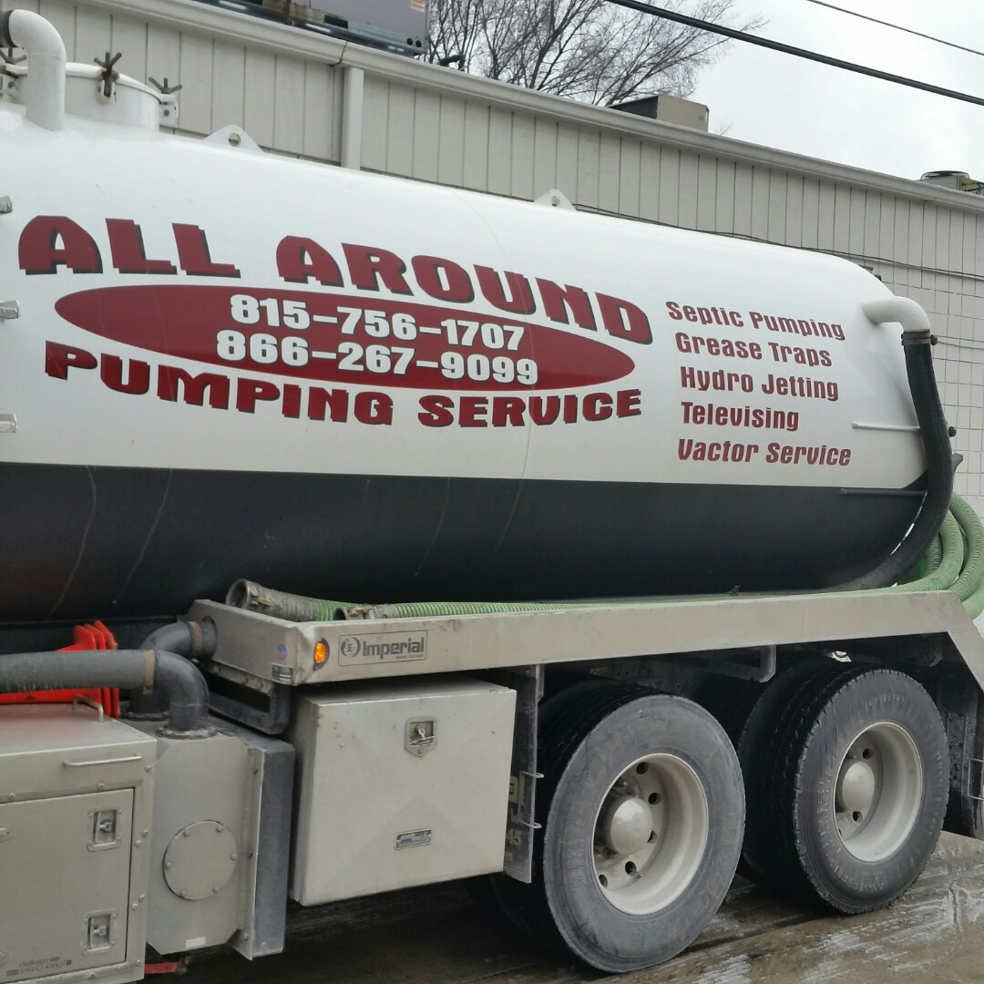 Forest Park, IL - Pumping inside grease trap