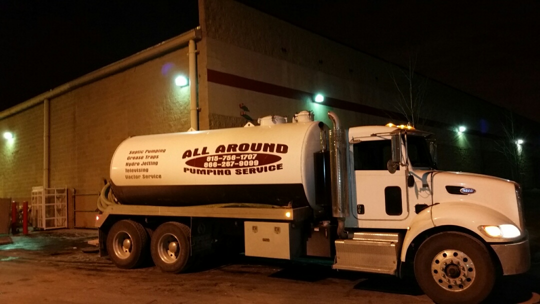 Niles, IL - Pump and clean outside grease trap. Jet inlet and outlet to open lines