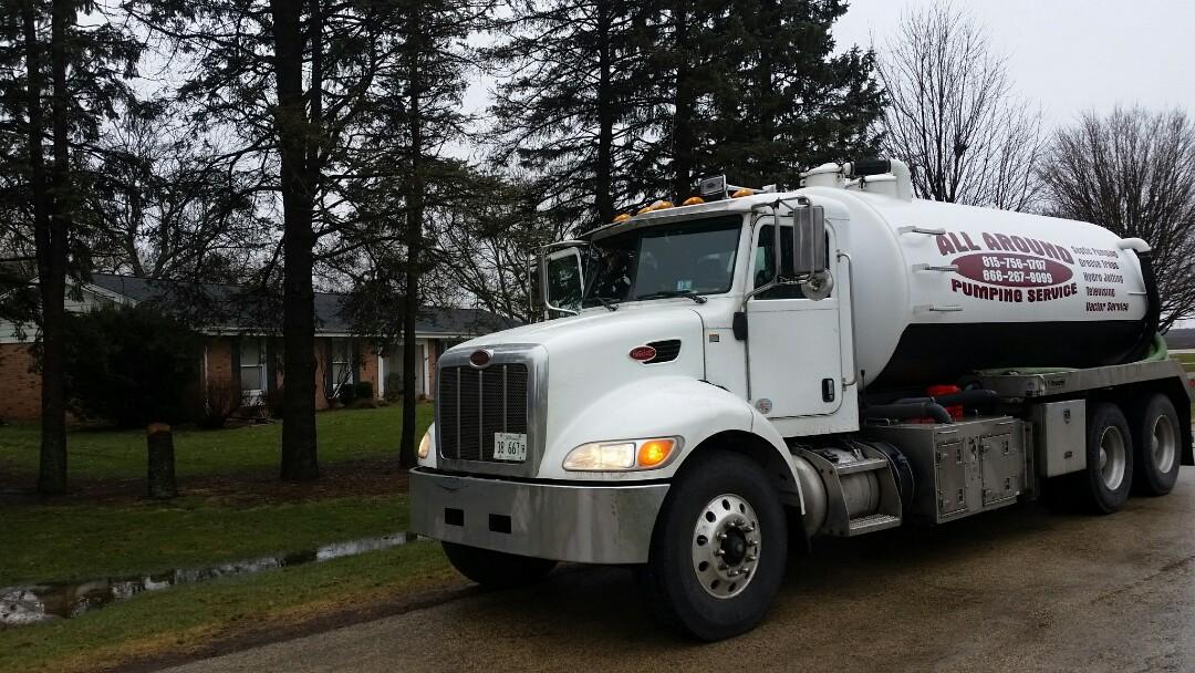 DeKalb, IL - Pump and clean septic tank