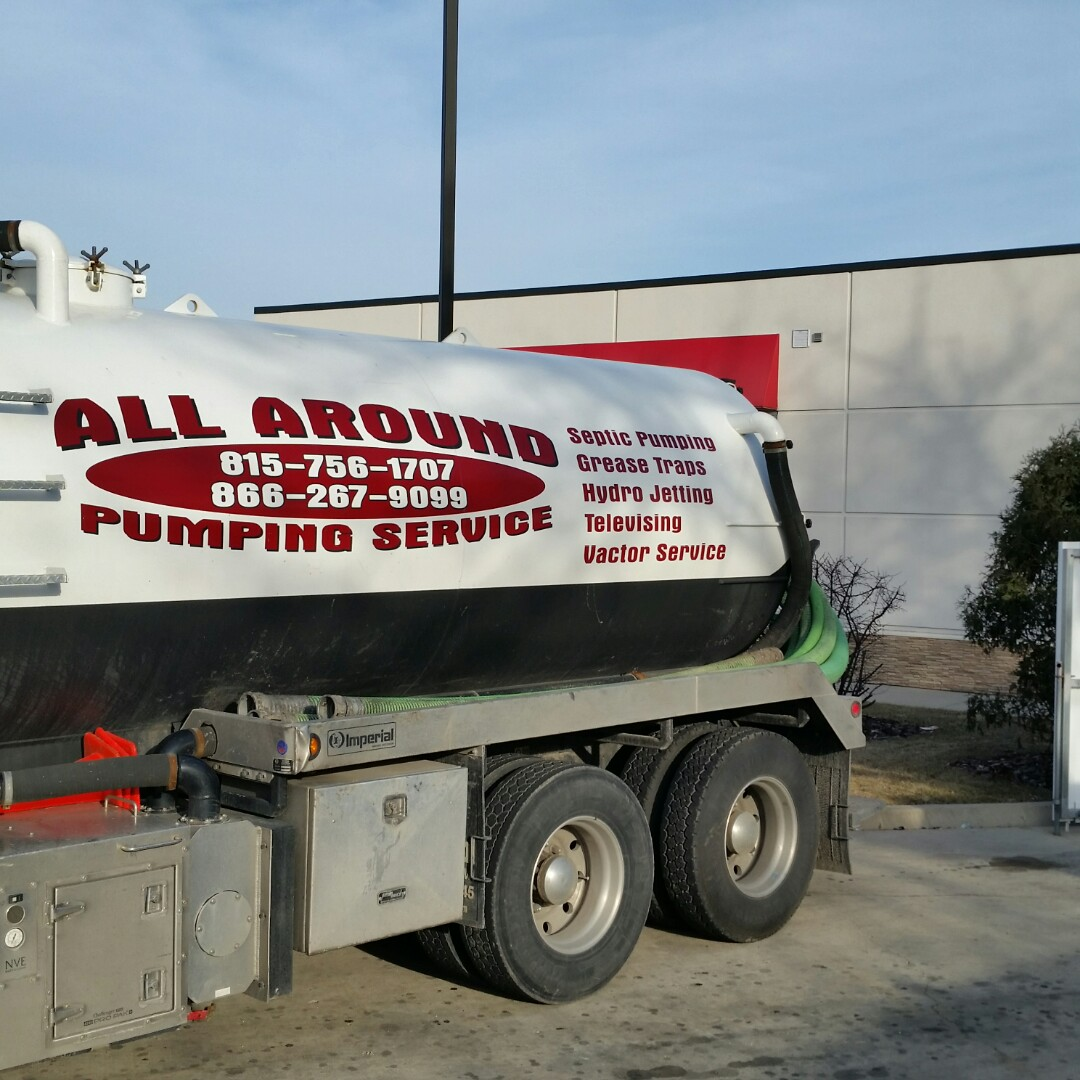 Round Lake, IL - Pumping inside grease trap