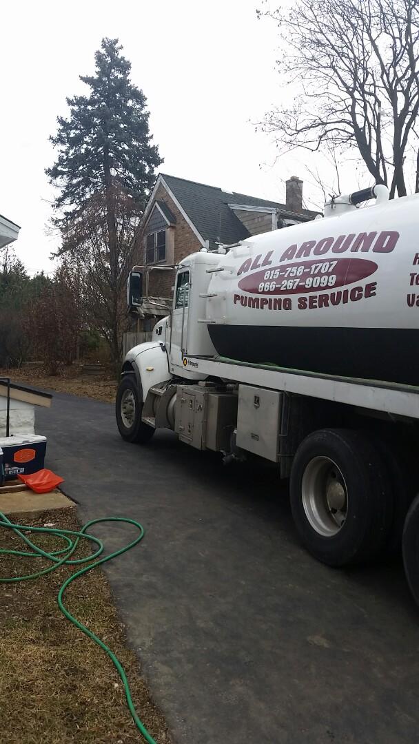 Lombard, IL - Pumping septic tank