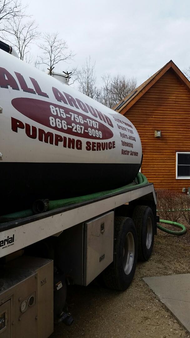 Shabbona, IL - Pumping septic tank