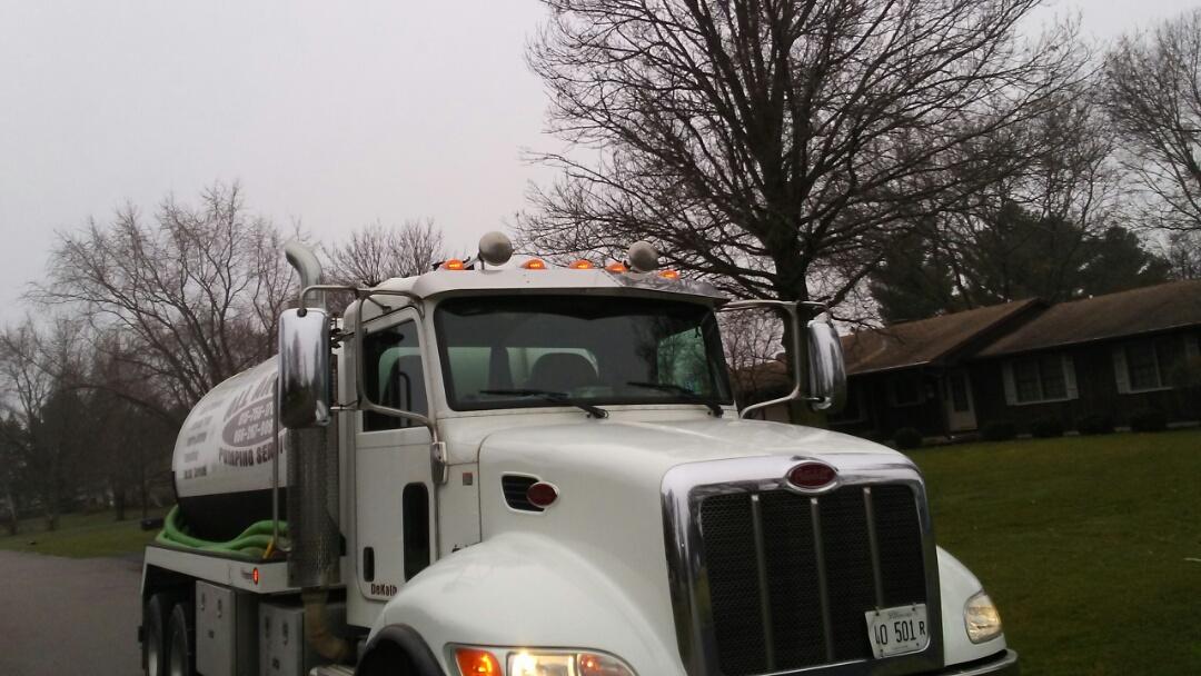 Elburn, IL - Pump and clean septic tank