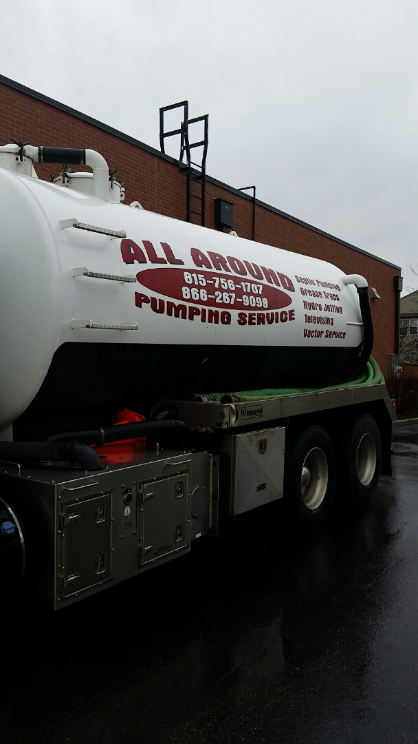 Naperville, IL - Pumping outside grease trap