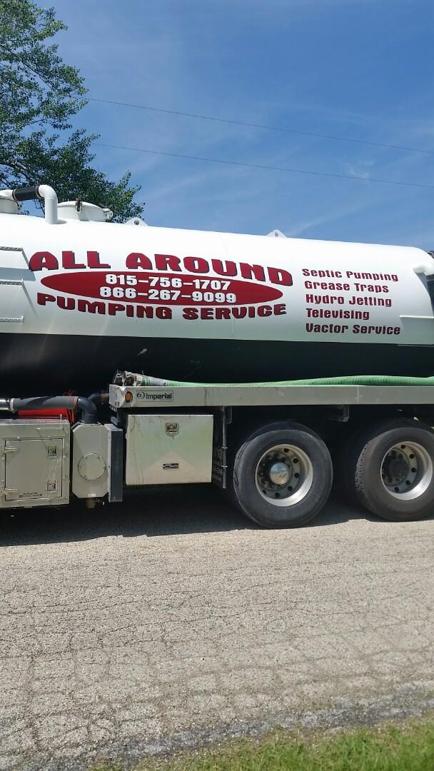 Rockford, IL - Pumping septic tank
