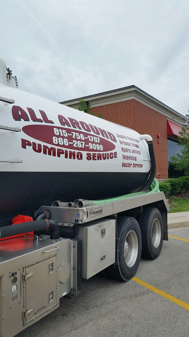 Highland Park, IL - Pumping inside grease trap