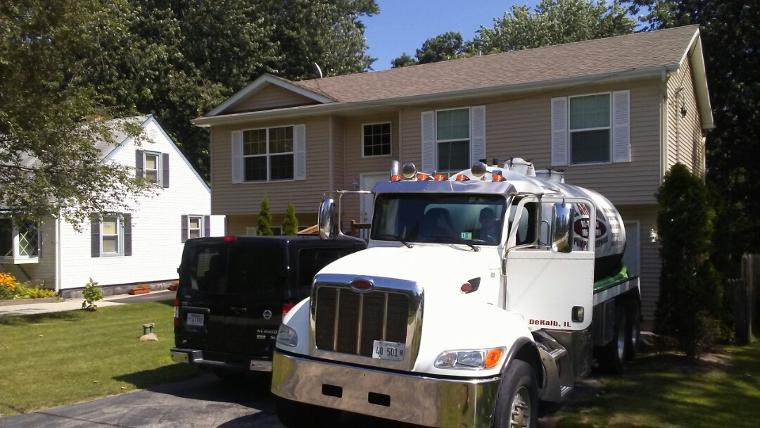 Lake Bluff, IL - Pump and clean septic tank