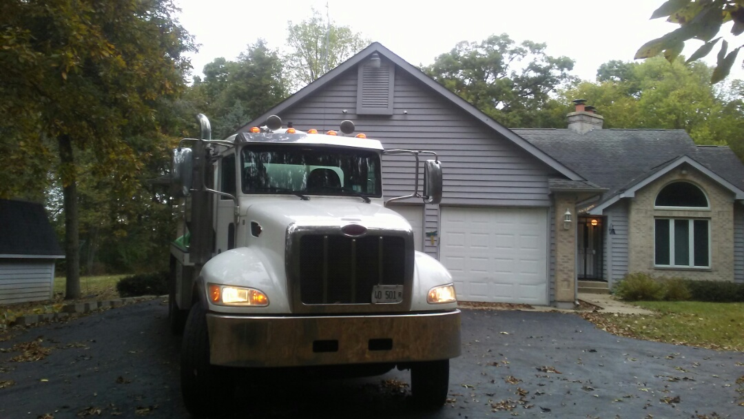 Harvard, IL - Pump and clean septic tank