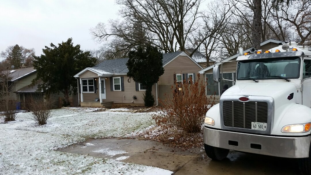 South Elgin, IL - Pump and clean septic tank