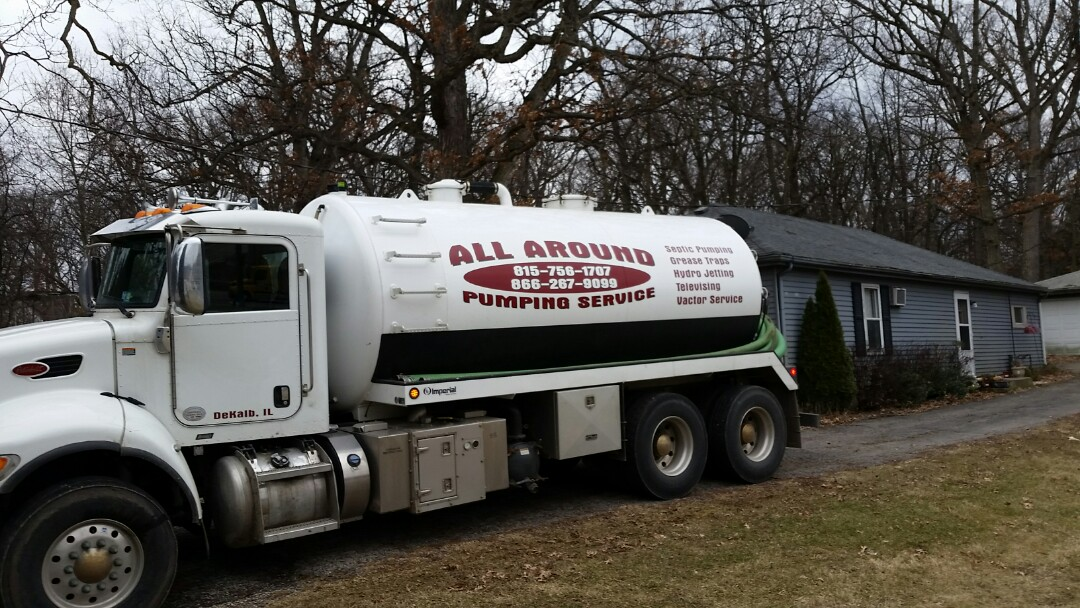 Sugar Grove, IL - Pump and clean septic tank