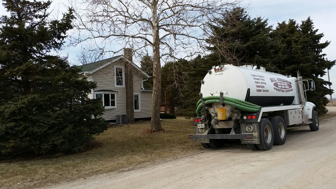 Pump and clean septic tank