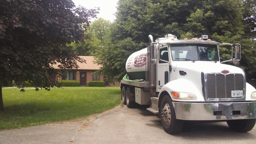 Elgin, IL - Pump and clean 3 septic tanks