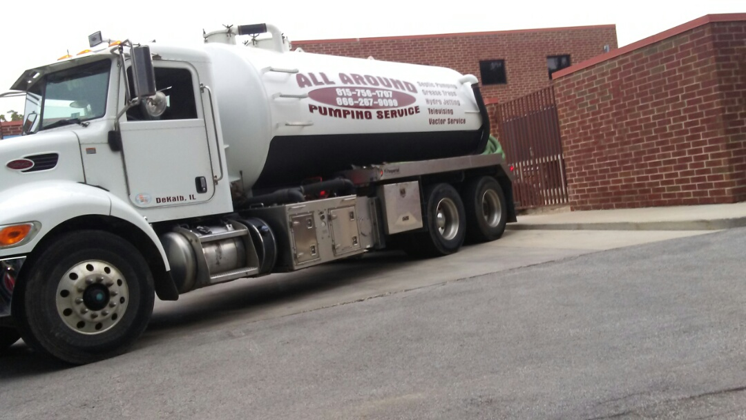 Naperville, IL - Pump and clean outside grease trap