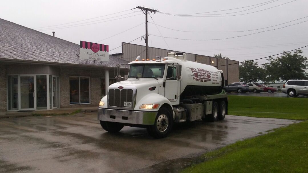 Loves Park, IL - Pump and clean inside grease trap