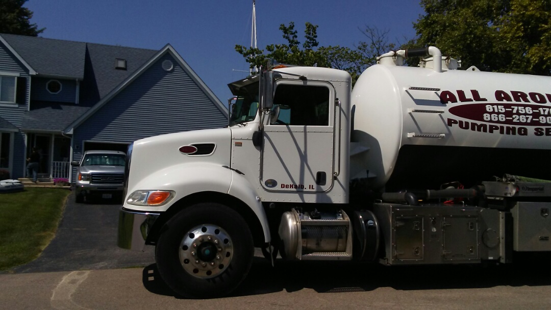 Somonauk, IL - Pump and clean septic tank