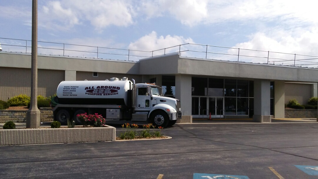 Romeoville, IL - Pump and clean 2 outside grease traps