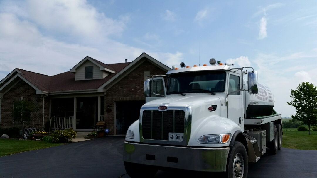 Genoa, IL - Pump and clean septic tank
