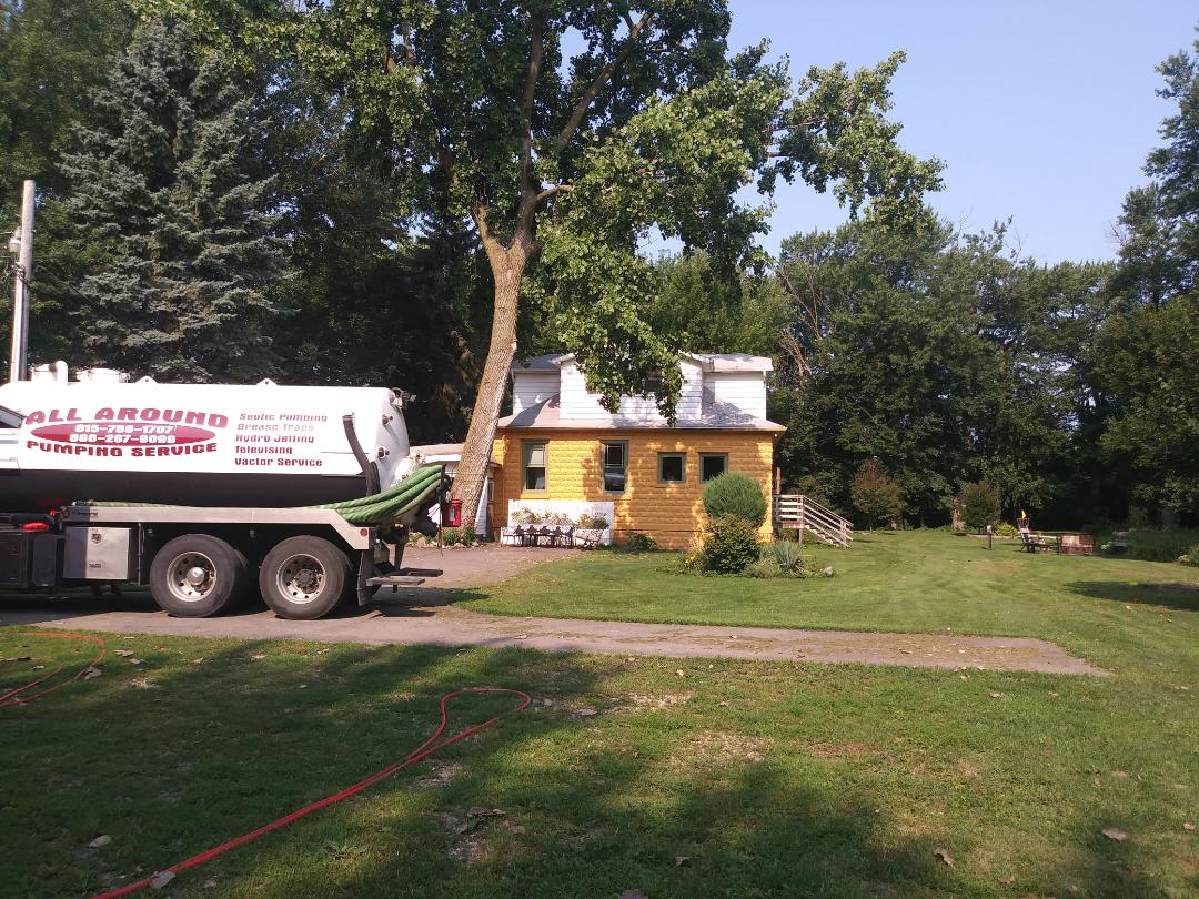 Sycamore, IL - Pump and clean septic tank 1250 gal.
