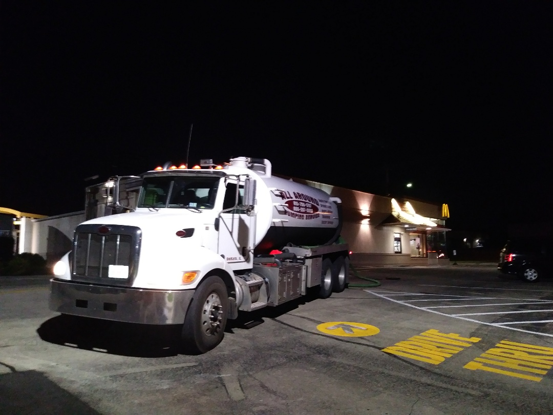 Freeport, IL - Pump and clean outside grease trap