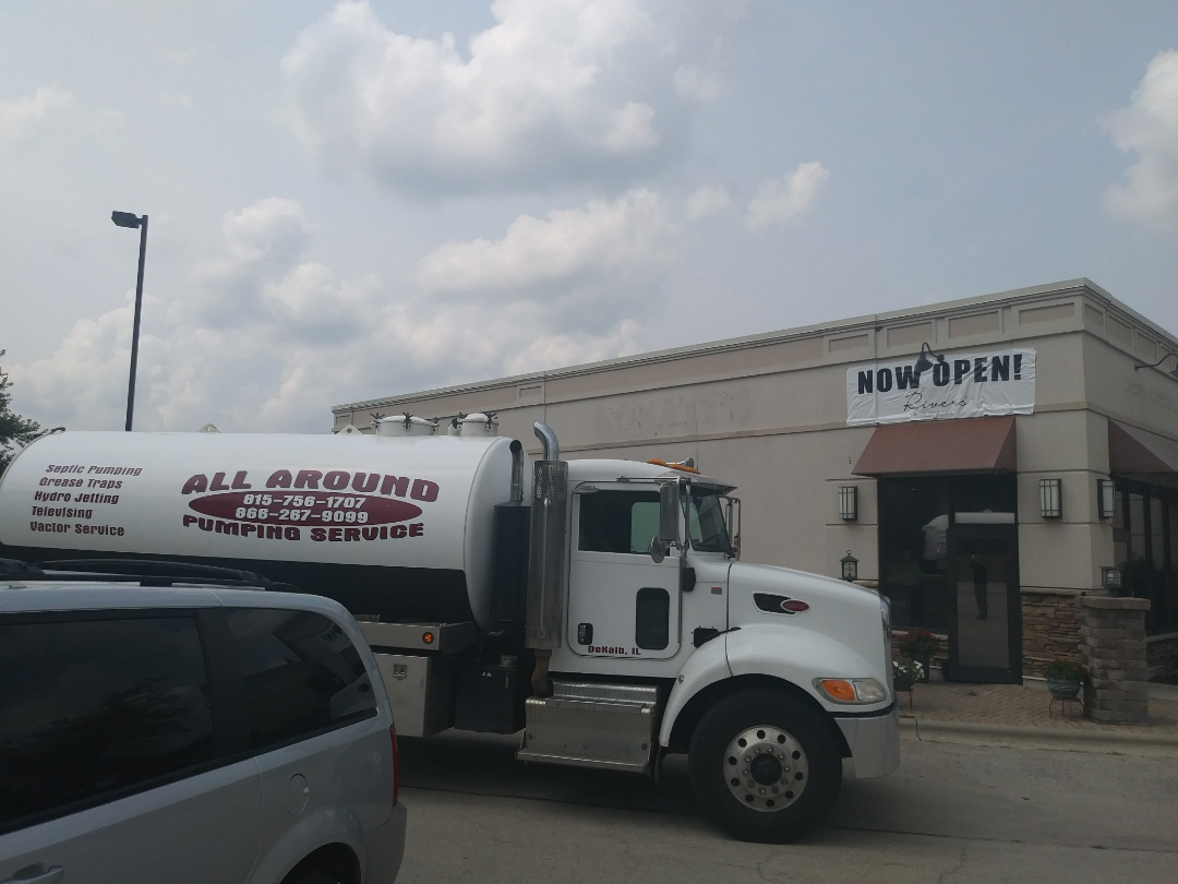 Genoa, IL - Pump and clean outside grease trap