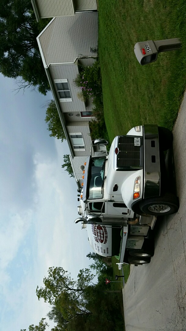 McHenry, IL - Pump and clean septic tank