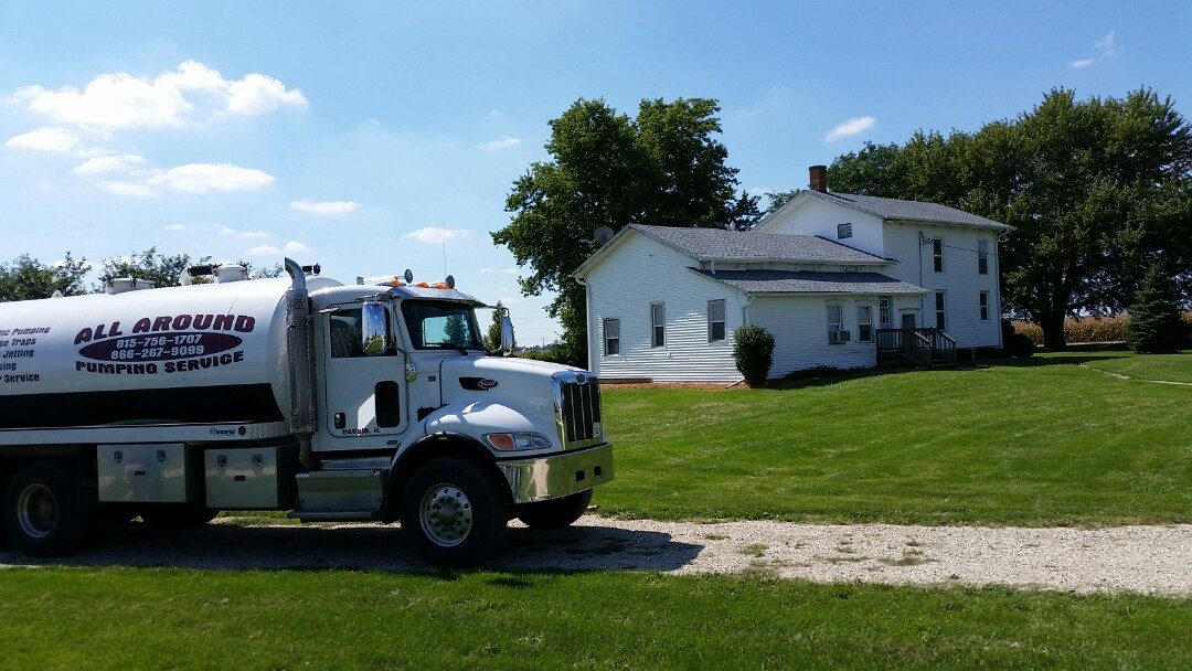 Sandwich, IL - Pump and clean septic tank