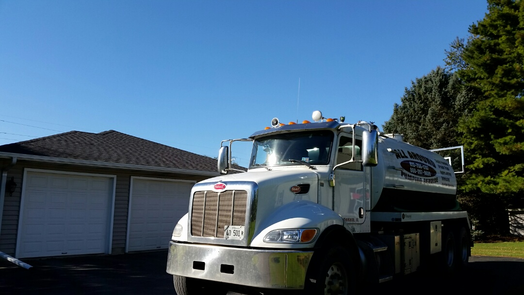 DeKalb, IL - Pump and clean septic tank