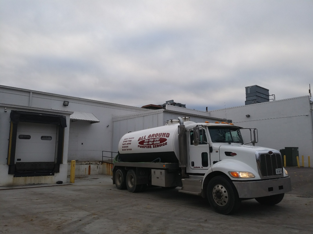 Elgin, IL - Pump and clean outside grease trap @ Elgin Fresh market