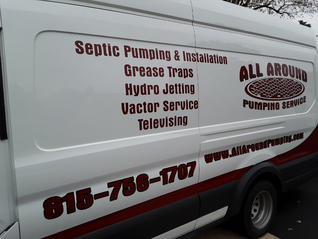 Belvidere, IL - Pumping inside grease trap